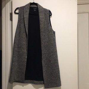 Club Monaco charcoal sleeveless cape